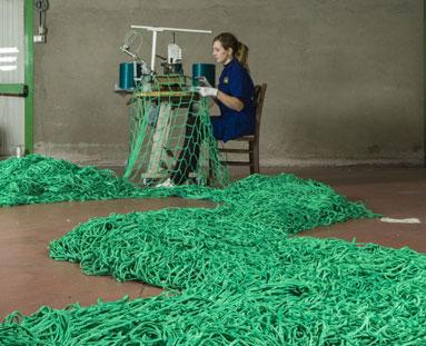 Produzione reti a maglia quadra e senza nodo