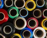 Filati sintetici colorati
